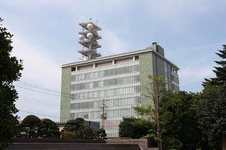 山形新聞は山形テレビ(YTS)に影響力をもつために、役員を送り込んでい... 複雑怪奇、地方マス